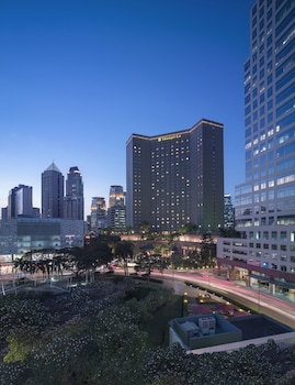 Makati Shangri-La Front of Property - Evening/Night