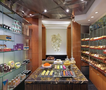 Makati Shangri-La Delicatessen