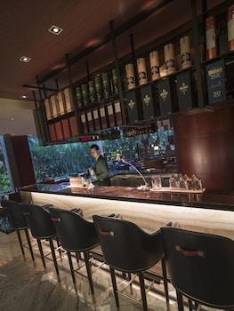 Makati Shangri-La Bar