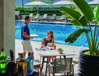 Makati Shangri-La Outdoor Pool