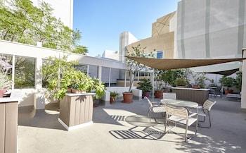 好萊塢果園套房飯店
