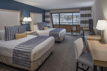 Standard Room, 2 Queen Beds, Balcony, Marina View