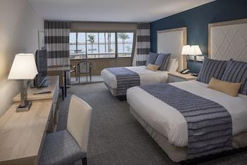 Standard Room, 2 Queen Beds, Balcony, Bay View