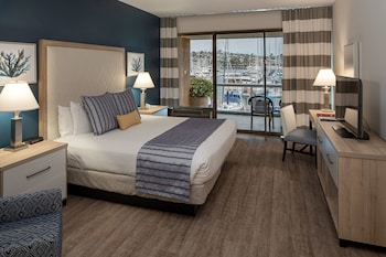 Double Room, 1 King Bed, Accessible, Marina View