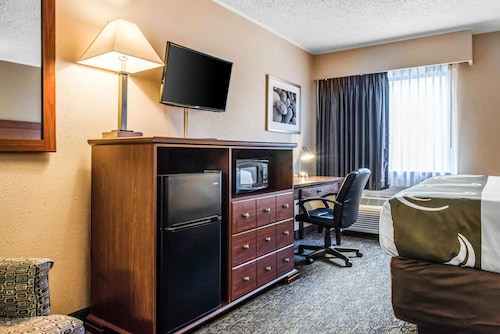 Quality Inn Austintown-Youngstown West, Mahoning