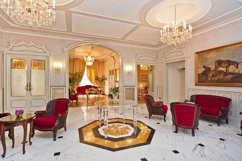 . Bristol Palace Hotel