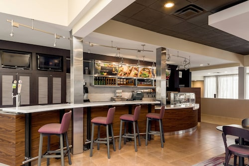 . Courtyard by Marriott Cincinnati Blue Ash