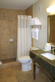 Clarion Inn & Suites Conference Center - Bathroom  - #0