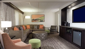 費城機場大使套房飯店 Embassy Suites Philadelphia - Airport