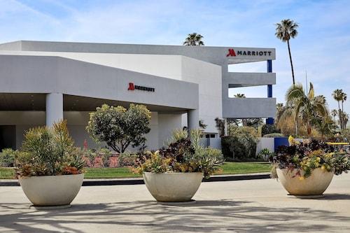 . Ventura Beach Marriott