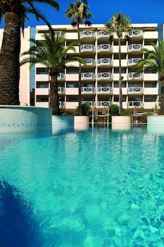 AC Hotel by Marriott Ambassade..