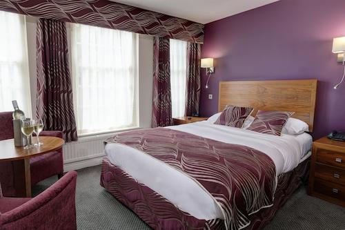 . Best Western Plus Sheffield Mosborough Hall Hotel