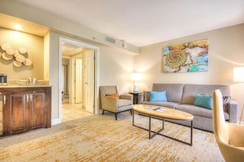 Suite, 2 Queen Beds (Agave)