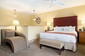 Guestroom at Pointe Hilton Squaw Peak Resort in Phoenix