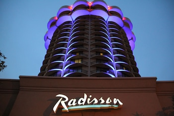 Radisson Cincinnati Riverfront