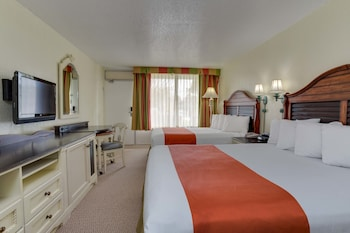 Double Room, 2 Double Beds, Poolside