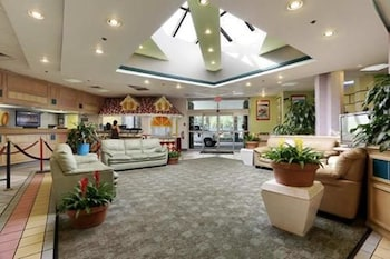 Lobby at Seralago Hotel & Suites Main Gate East in Kissimmee