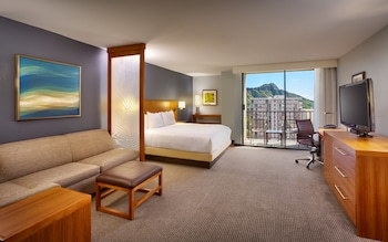 Room, 1 King Bed, Mountain View (Specialty)