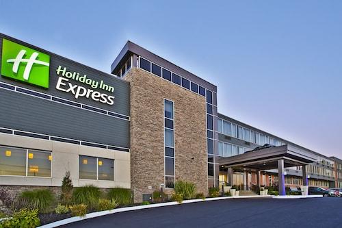 . Holiday Inn Express Sault Ste Marie