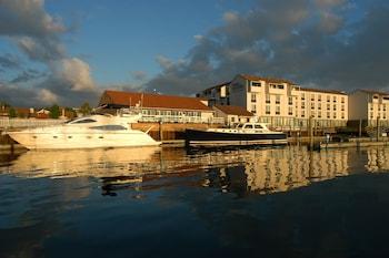 Hotel - The Newport Harbor Hotel & Marina