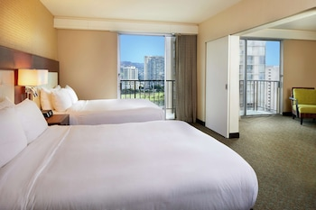 Suite, 2 Queen Beds (Ohana, City/Mountain View)