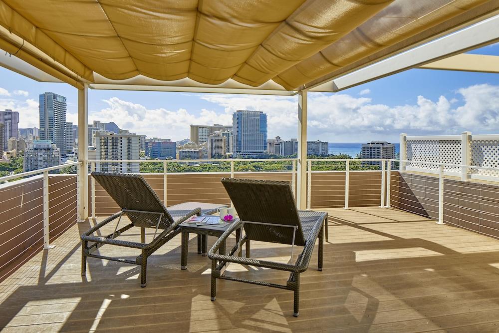 Doubletree By Hilton Hotel Alana Waikiki Beach