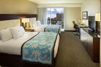 Room, 2 Queen Beds, Partial Ocean View
