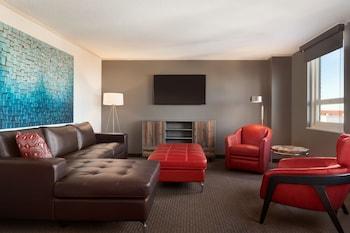 Premier Suite, 1 Queen Bed, Non Smoking