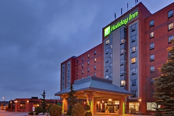 Holiday Inn & Suites Windsor Ambassador Bridge photo