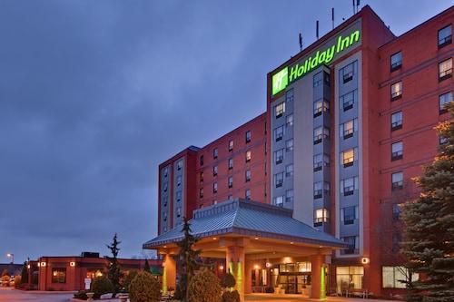 . Holiday Inn & Suites Windsor Ambassador Bridge, an IHG Hotel