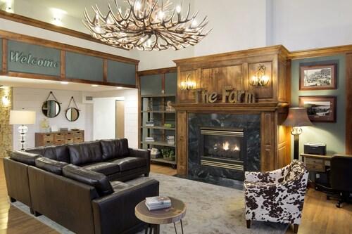 . Redwood Lodge