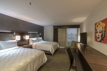Room, 2 Queen Beds, Non Smoking (Hearing, Roll-In Shower)