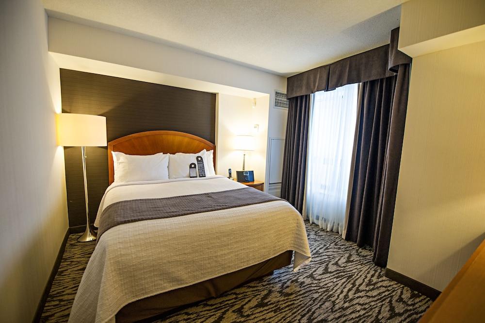 Cambridge Suites Hotel, Halifax