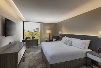 Guestroom at PARKROYAL Parramatta in Parramatta