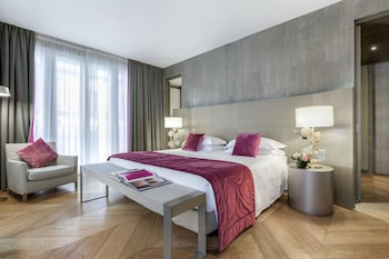 Rosa Grand Suite