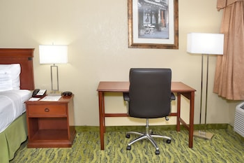 Guestroom at Best Western Orlando East Inn & Suites in Orlando