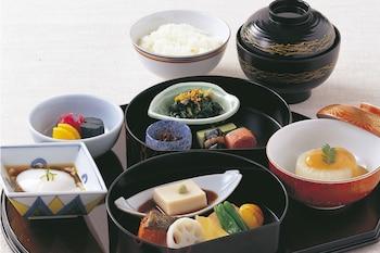 SHERATON MIYAKO HOTEL TOKYO Food and Drink