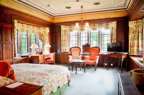 . Lewtrenchard Manor