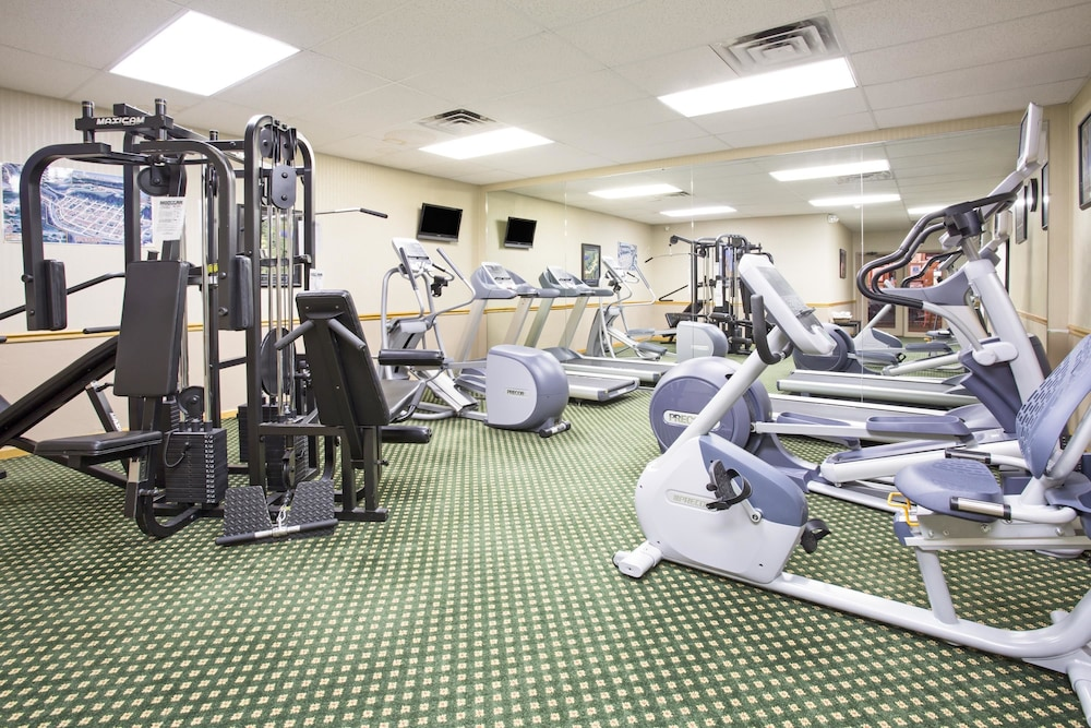 Health and Fitness : Gym 12 of 43