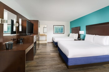Deluxe Room, 2 Double Beds, Poolside