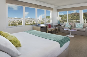 Room, 1 King Bed, Balcony, View (Diamond Head View)