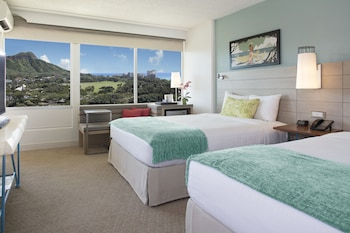 Room, 2 Queen Beds, Balcony, View (Diamond Head View)