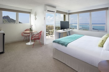 Junior Suite, 1 King Bed, Balcony, Ocean View