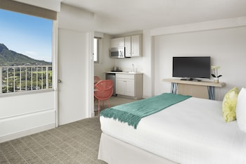 Junior Suite, 1 King Bed, Balcony, View (Diamond Head View)