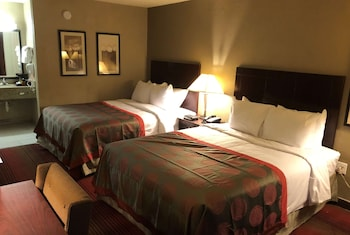 Hotel - Ramada by Wyndham Michigan City