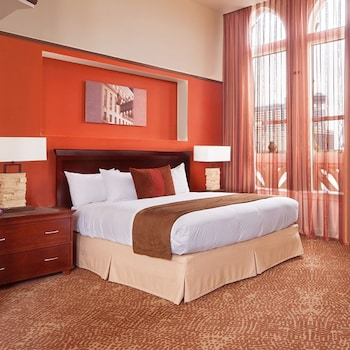 Junior Suite, 1 King Bed (Garden Tub for 2, Alamo View)