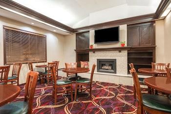 Hawthorn Suites Dayton North