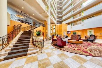 Lobby at DoubleTree Suites by Hilton Santa Monica in Santa Monica