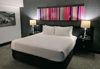 Suite, 1 King Bed with Sofa bed, Poolside at The Clarendon Hotel and Spa in Phoenix