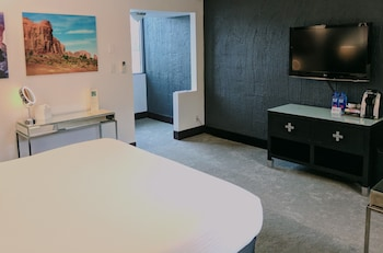 Guestroom at The Clarendon Hotel and Spa in Phoenix
